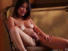 Khyanna Song pleases herself with tender fingering indoors
