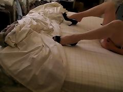Beige RHT stockings heels pantys jerking in bed tube porn video