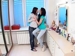 Ass Fingering Lesbian Broads