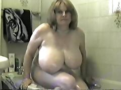 Gorgeous Toni got some huge tits to soap and get em slippery
