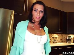 Stunning Rachel Starr gets her pussy licked and pounded