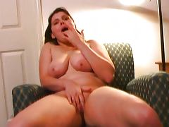 Making you horny with my pussy