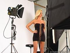 Blonde beauty is here in a model shoot and looking real good