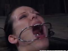 Seeing her head popped up on the floor is so funny tube porn video