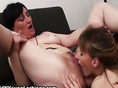 Experienced mature wife gets to fuck tube porn video