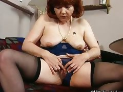 Dirty old mom getting all horny rubbing tube porn video