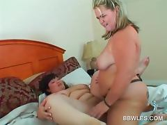 BBW blonde lesbo fucking her GF with a pink dildo tube porn video