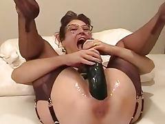 amateur wife fucking giant dildo