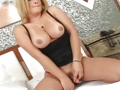 Hot Shemale Fucks A Gorgeous Girl