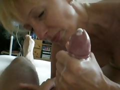 Mature blonde really can suck
