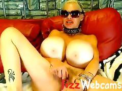Mature Webcam Model With Huge Boobs Masturbates