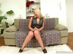 Brittany Spring gets a lot of pleasure from toying her juicy snatch