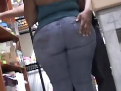 Big assed chick lets some guy rub his groing against her butt