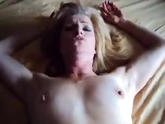 Wifes Quick Fuck And Creamy Facial
