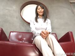 Kozue Hirayama and some dude practise grinding in an office tube porn video