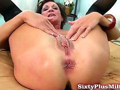 Mature amateur loves anal sex tube porn video