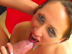 Mandy Bright swallows cumshot of Manuel Ferrara