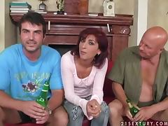 Horny bitch Ulrika gets mouth fucked by two kinky dudes