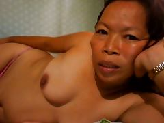 FILIPINA GRANDMA SHOWING HER NICE BOOBS ON CAM tube porn video