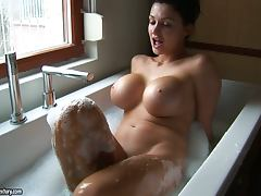 Sexy Aletta Ocean takes a bath with out makeup porn tube video