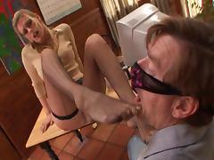 Daryl Hannah foot secretary tube porn video