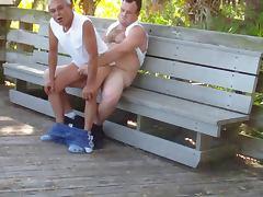Gordito se la mete a abuelo en publico porn tube video