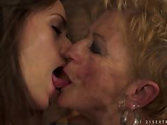 Short Haired Granny Having Hot Lesbian Sex with Pretty Teen