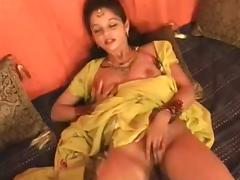 Hot Northindian B Grade Actress expose her Boobs and Pussy porn tube video