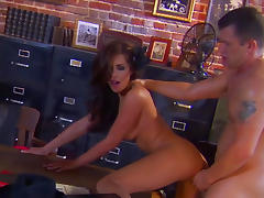 Brunette Kirsten Price is giving a blowjob