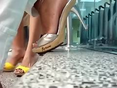 Shoe Playing in Miami International Airport