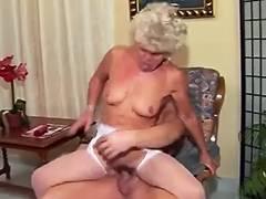 fucking hawt grannie MUSTE WATCH