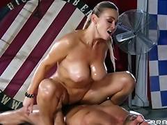Abbey Brooks acquires oiled up rubbed down by her masseur tube porn video