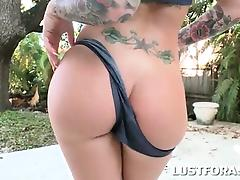 Big titted pin-up hottie flashing her hot round ass tube porn video