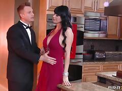 round boobs milf giving a head. tube porn video