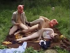 Nina priceless exhib in Paris and fuck by two mens