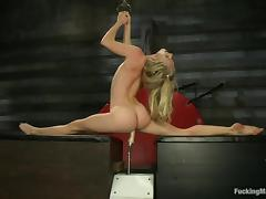 hot ass flexible blonde fucked by a machine porn tube video