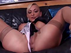 Delfyn Fisting Both Her Holes