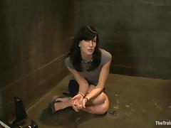 Submissive Elise Graves gets tied up and toyed deep