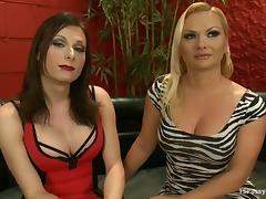 Brunette tranny Eva Cassini fucks Katja Kassin's hot pussy