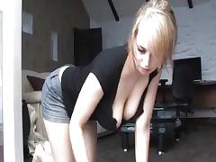 Downblouse blondie tube porn video