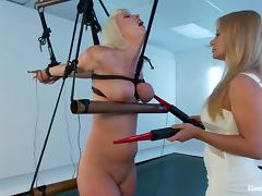 cherry torn gets an electric prod on her body tube porn video