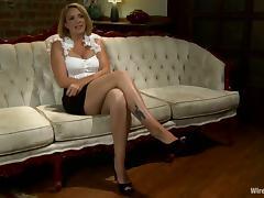 Bobbi Starr teaches Roxanne Hall a good lesson in stunning BDSM vid