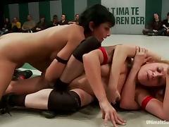 Three kinky bitches have lesbian sex in a ring