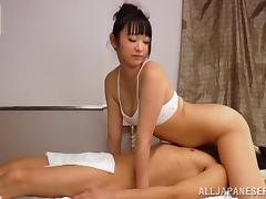 Horny Reiko Kobayaka sits on guy's face and sucks his dick