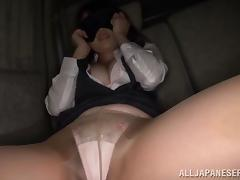 Blindfolded Satomi Nomiya gets her cunt toyed to orgasm