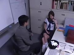 Leggy Jap babe gets some Japanese hardcore banging