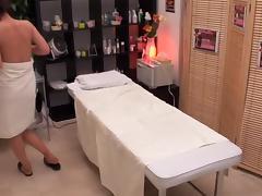 Massagist rides a japanese cunt in super sexy porn video