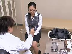 Shiny babe came to a gynecologist appointment and got fucked