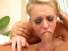 Blonde with bright eyes gives outstanding deepthroat