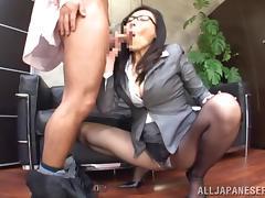 japanese bitch satisfies her boss